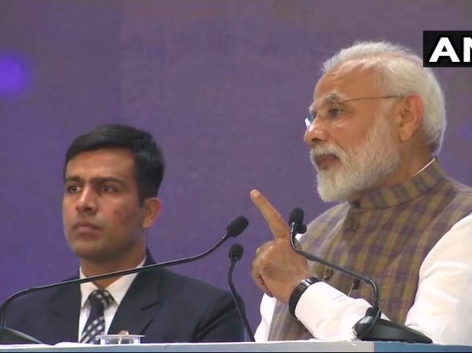 PM modi at Petrotech 2019 says India recently became the 6th largest economy in the world | ग्रेटर नोएडा: PM मोदी ने किया पेट्रोटेक-2019 का उद्घाटन, कहा-हम दुनिया में तीसरे सबसे बड़े ऊर्जा उपभोक्ता