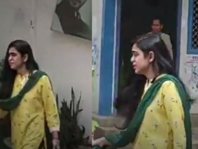 Aishwarya Rai, daughter-in-law of Lalu Yadav and wife of Tej Pratap, was seen exiting the house of mother-in-law Rabri Devi with tears in her eyes. | रोते बिलखतेसास राबड़ी देवी के आवास से निकलींलालू यादव की बहू और तेज प्रताप की पत्नी ऐश्वर्या राय
