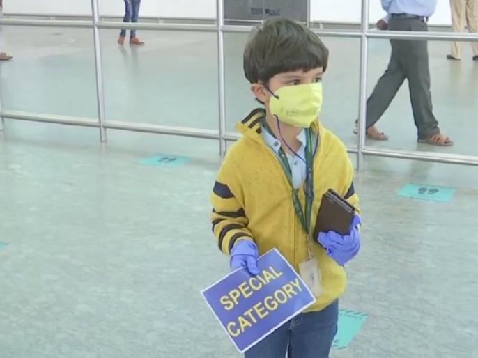 5-Year-Old Boy Travels Alone on Flight Delhi to Bengaluru, Meets Mother After 3 Months See viral Pics | जब फ्लाइट से दिल्ली से बेंगलुरु अकेले पहुंचा 5 साल का बच्चा, 3 महीने बाद मां से मिला, तस्वीरें वायरल