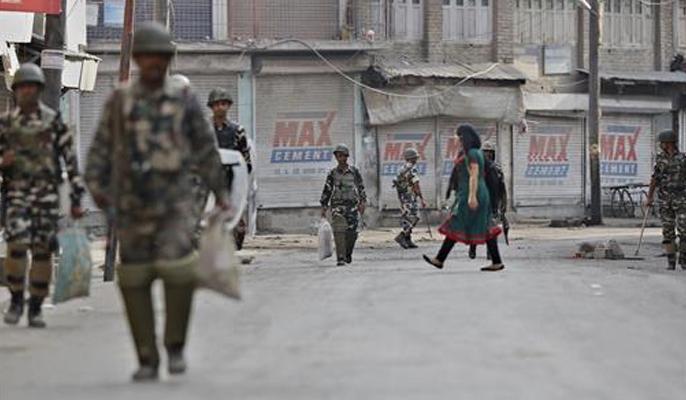 Jammu Kashmir Schools and other educational institutions to reopen in Kashmir valley from August 19 Monday   जम्मू-कश्मीर: घाटी में 19 अगस्त से खुलेंगे स्कूल और शिक्षण संस्थान, लोगों की आवाजाही पर पाबंदियों में ढील