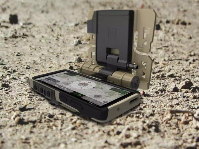 Samsung's Galaxy S20 Tactical Edition dresses up its flagship for the army   आर्मी के लिए सैमसंग ने बनाया खास स्मार्टफोन, दिए गए हैं ये जबरदस्त फीचर्स