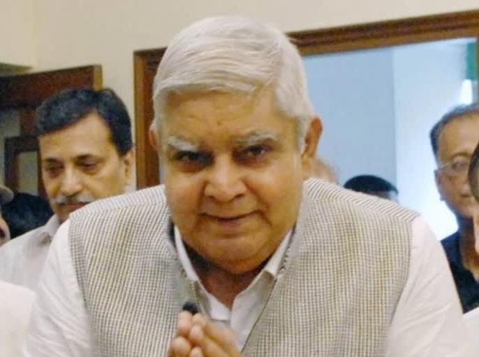 Dhankar said - no one should cross the 'Laxman Rekha', the war of words between the Governor-Banerjee government continues | धनखड़ ने कहा- किसी को भी 'लक्ष्मण रेखा' नहीं लांघनी चाहिए,राज्यपाल-बनर्जी सरकार के बीच वाकयुद्ध जारी