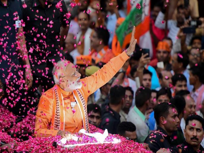 lok sabha election 2019 results varanasi live updates pm modi shalini yadav | वाराणसी LIVE UPDATES : पीएम मोदी 128637 हजार वोटों से आगे, शालिनी यादव दूसरे नंबर