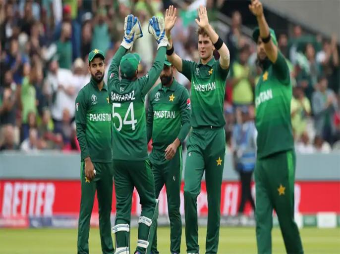 Pakistan to leave for UK on Sunday, 7 out of 10 infected players test negative | पाकिस्तान के 10 में से 6 खिलाड़ियों का कोरोना टेस्ट नेगेटिव, कल इंग्लैंड रवाना होगी टीम