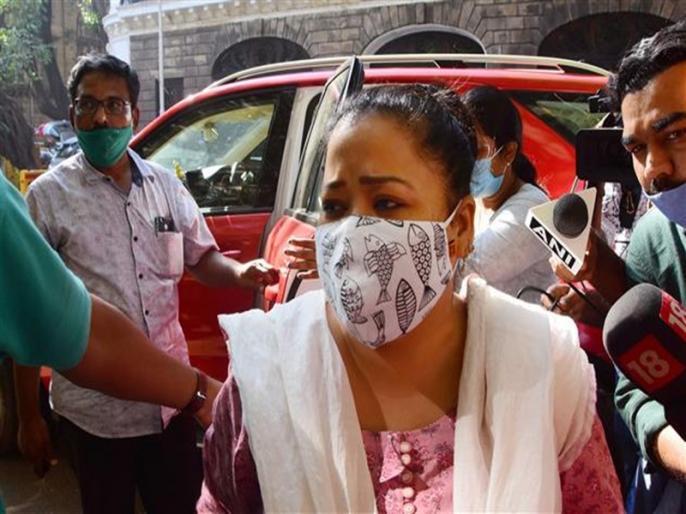 Comedian Bharti Singh and her husband Haarsh Limbachiyaa granted bail | ड्रग्स केस: भारती सिंह-हर्ष लिंबाचिया को बड़ी राहत, कोर्ट से मिली जमानत