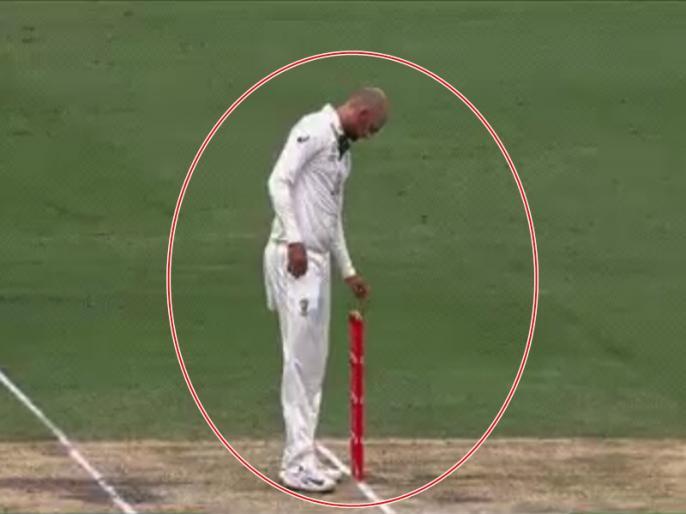 India vs Australia, 4th Test: Nathan Lyon superstitious video goes viral | IND vs AUS, 4th Test: नाथन लियोन ने गेंदबाजी के दौरान बेल्स से की छेड़छाड़, वायरल हुआ वीडियो
