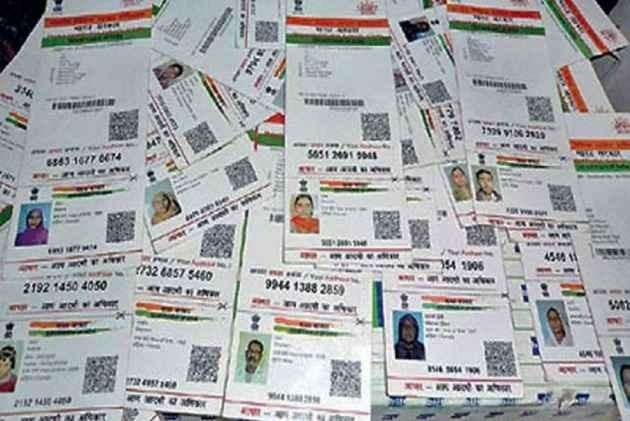 Rajasthan: police seized 2000 Aadhaar Cards from Kabadiwala in Jaipur | राजस्थान: कबाड़ी के पास से मिले 2000 आधार कार्ड, पुलिस कर रही है मामले की जांच