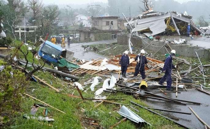 Hurricane 'Hagibis' havoc, 35 dead in Japan, 17 missing, thousands of houses damaged, power and communication system in trouble | तूफान 'हगिबिस' का कहर, जापान में अब तक 43 मरे, 16 लापता,हजारों मकान क्षतिग्रस्त,बिजली एवं संचार व्यवस्था बेहाल