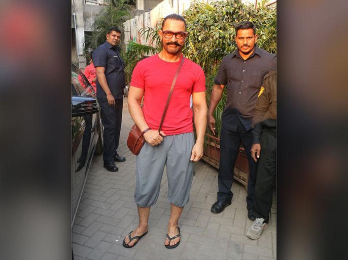 Aamir Khan says to Kangana Ranaut's statement about him not supporting her for Manikarnika | कंगना रनौत के सवाल पर बचते नजर आए आमिर खान, ये कह कर बात को इग्नोर कर गए एक्टर