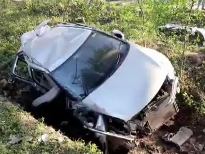 Jammu and Kashmir car fell into gorge 9 persons dead and 5 injured in Kathua breaking news | जम्मू-कश्मीर: कठुआ में बड़ा हदासा, खाई में कार गिरने से 9 लोगों की मौत, कई घायल