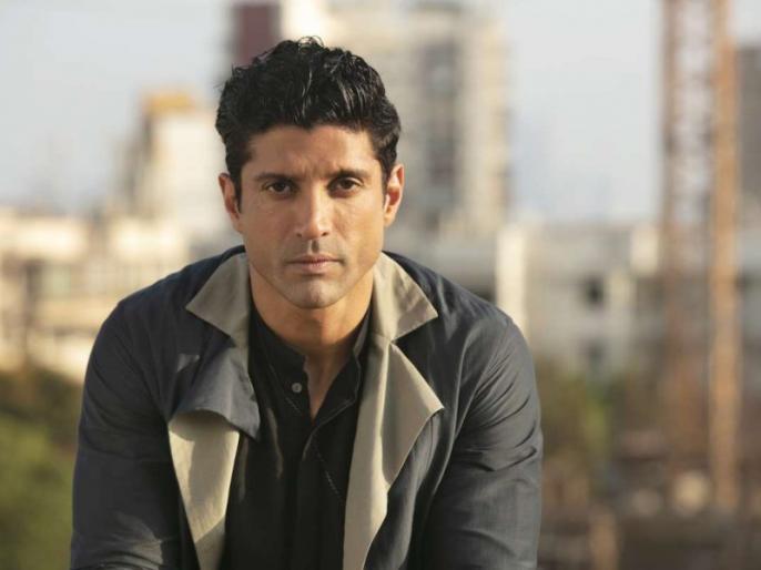 farhan akhtar shared a video of national level boxer who drive auto for earning | नेशनल बॉक्सर आबिद ऑटो चलाकर कर रहे हैं गुजारा, कहा-गरीब होना सबसे बड़ा अभिशाप, फरहान अख्तर ने शेयर किया वीडियो