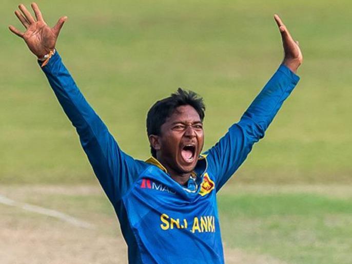 Akila Dananjaya suspended from international cricket for 12 months | आईसीसी ने इस श्रीलंकाई गेंदबाज पर लगाया बैन, इंटरनेशनल मैच में 1 साल तक नहीं कर पाएगा गेंदबाजी