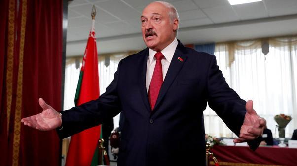 Belarus election Opposition disputes PresidentAlexander Lukashenko landslide winrejects election result after night of protests   Belarus election: छठी बार बेलारूस के राष्ट्रपति निर्वाचित अलेक्सांद्र लुकाशेंको, विपक्ष ने कहा-धांधली, सड़क पर लोग