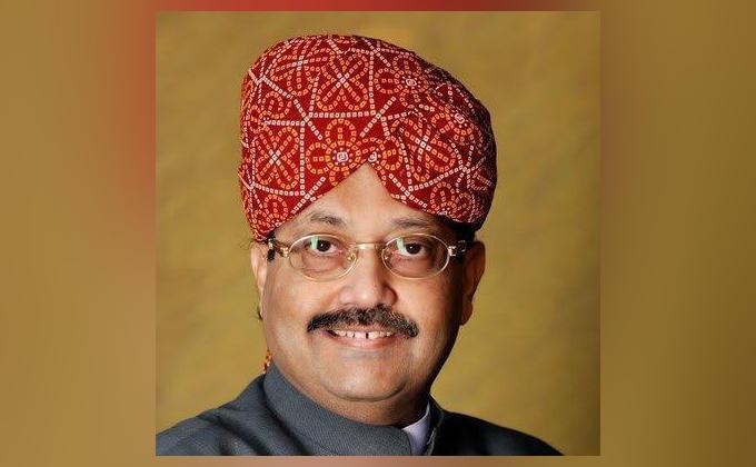 Amar Singh Friend in all parties leading friendship skilled politician and strategist | अमर सिंहःसभी दलों में मित्र, दोस्ती निभाने में आगे,कुशल राजनेता और रणनीतिकार