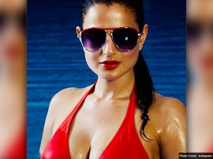 Court issued arrest warrant against actress Amisha Patel, fraud case | एक्ट्रेस अमीषा पटेल के खिलाफ कोर्ट ने जारी किया अरेस्ट वारंट, धोखाधड़ी का है मामला