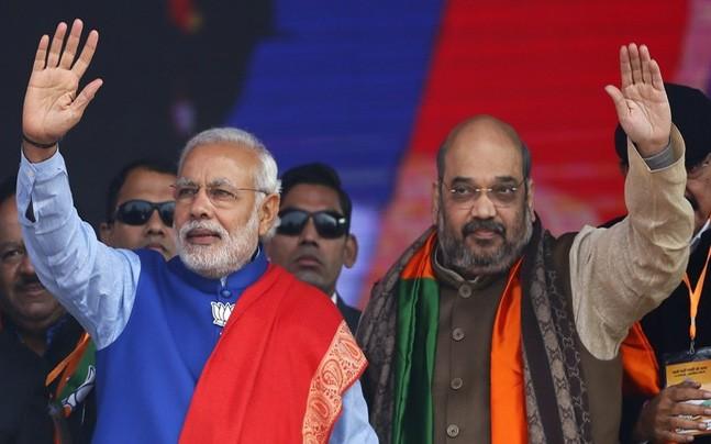 bjp is afraid of sp and bsp allaince in uttar pradesh may think about dividing state state in 4 part | लोक सभा 2019: तो क्या चुनावी लाभ के लिए बीजेपी यूपी को 4 हिस्सों में बांटने पर कर रही है विचार?