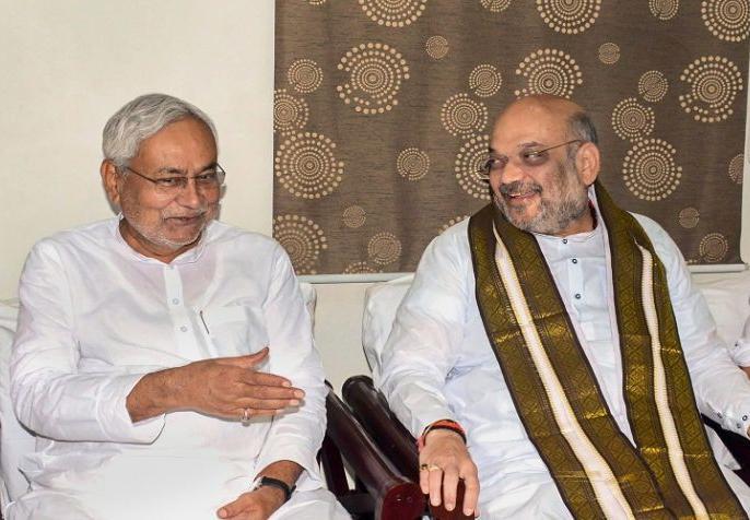 bihar cm Nitish Kumar Calls On Amit Shah Amid Seat-Sharing meeting For 2019 election | 2019 के चुनाव को लेकर नीतीश ने की अमित शाह से मुलाकात, बीजेपी और जेडीयू में चल रहा है 'सीट गेम'
