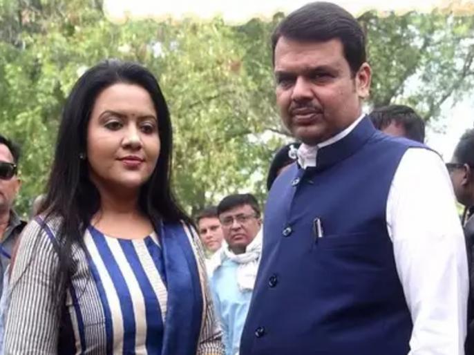 If Amrita Fadnavis does not trust the police, she should leave Maharashtra: Anil Parab   अमृता फड़नवीस को अगर पुलिस पर भरोसा नहीं है तो उन्हें महाराष्ट्र छोड़ देना चाहिए: अनिल परब