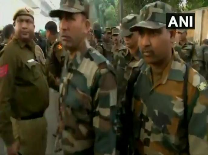 Indian Army says wasn't deployed for Internal Security Dutie   जाफराबाद में सेना की वर्दी में दिखी दिल्ली पुलिस! इंडियन आर्मी ने कहा- जांच के बाद लेंगे एक्शन