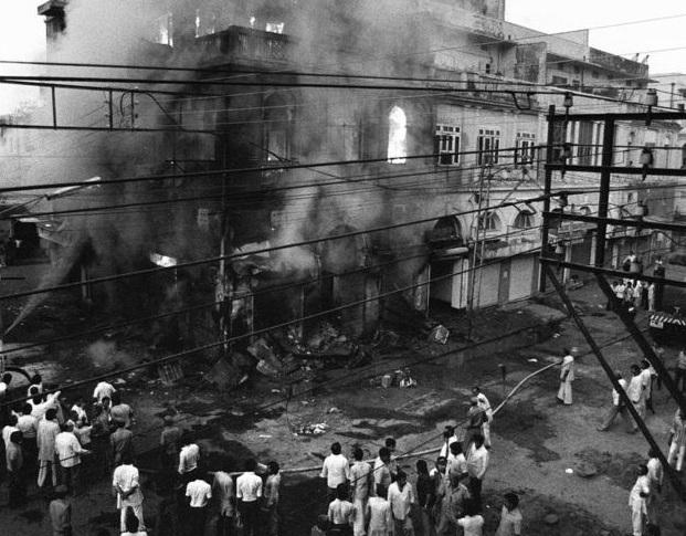 Police were mere spectators during 1984 anti-Sikh riots: SIT report | 1984 दंगे में सिख यात्रियों को ट्रेनों से निकालकर पीटा गया, पुलिस ने किसी को नहीं पकड़ा: SIT रिपोर्ट