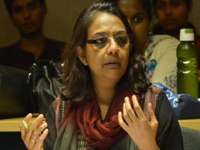 SC hearing a plea challenging restriction on working journalists kashmir times editors | आर्टिकल 370: सुप्रीम कोर्ट में कश्मीर टाइम्स की एडिटर अनुराधा की याचिका पर सुनवाई, सॉलिसिटर जनरल ने CJI के सवालों का दिया जवाब
