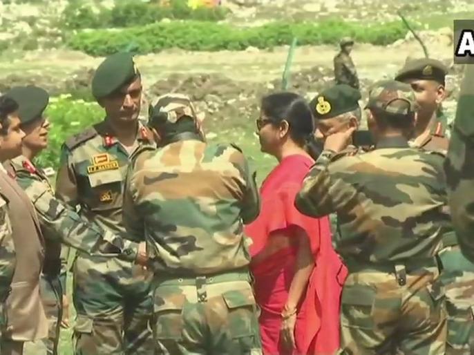 Alert of terrorist attack on Amarnath yatra, Defense Minister Nirmala Sitharaman, army chief Bipin Rawat reached Baltal Army base camp | अमरनाथ यात्रा पर आतंकी हमले का अलर्ट, रक्षा मंत्री, सेना अध्यक्ष पहुंचे बालटाल आर्मी बेस कैंप
