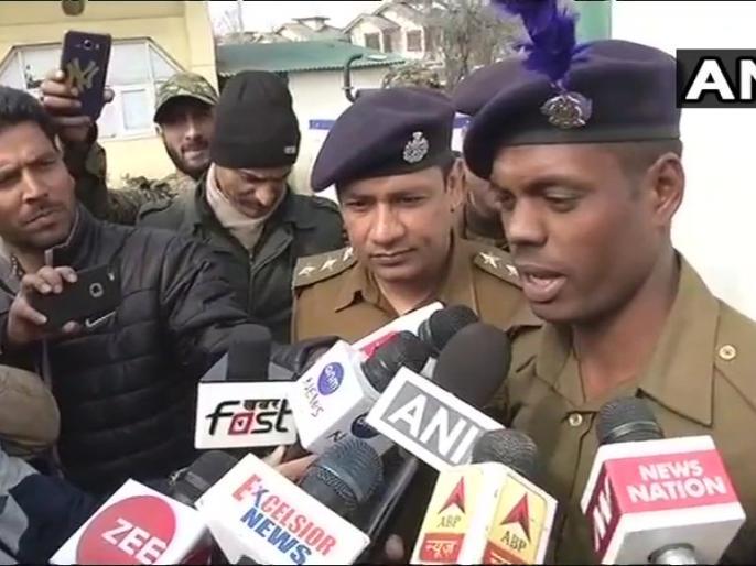 Jammu kashmir: CRPF constable Raghunath Ghait failed Srinagar Karan Nagar terror attack | जम्मू कश्मीर: सेना के इस जवान की दहाड़ से भाग खड़े हुए थे आतंकी, श्रीनगर आर्मी कैंप पर बड़ा हमला होने से टला