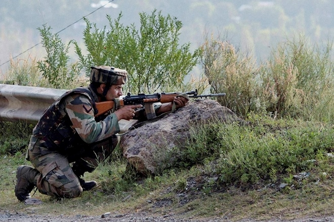 Jammu and Kashmir Encounter Charare Sharif terrorists Naugam Indian Army's retort | चरारे शरीफ में मुठभेड़ जारी,नौगाम में हमला कर भागे आतंकी,भारतीय सेना कामुंहतोड़ जवाब