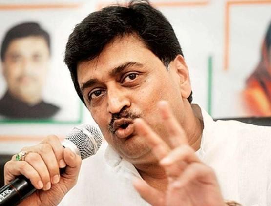Former Maharashtra CM and current minister of Uddhav Thackeray government became Corona positive | महाराष्ट्र: उद्धव सरकार के मंत्री और राज्य के पूर्व मुख्यमंत्री अशोक चव्हाण को हुआ कोरोना, इलाज के लिए लाए जाएंगे मुंबई