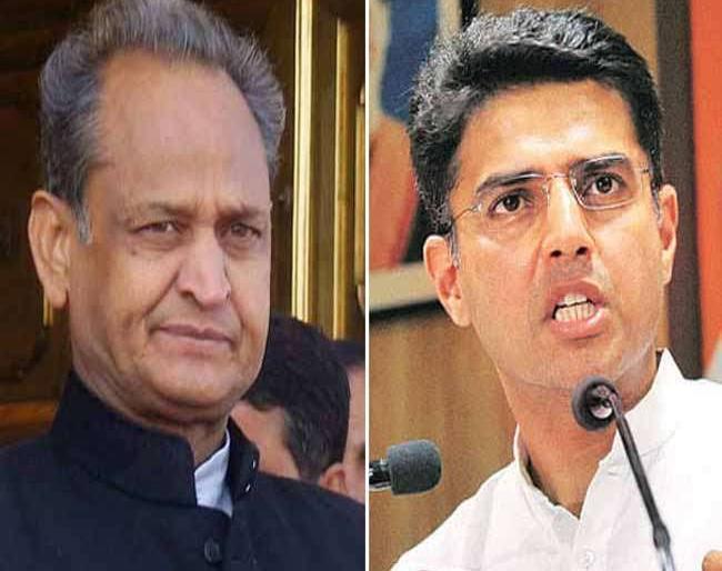 Rajasthan Govt divided in two camps between CM Ashok Gehlot and Deputy CM Sachin Pilot   राजस्थान : सरकार-संगठन में खींचतान से दो खेमों में बंटी कांग्रेस, एक तरफ अशोक गहलोत, दूसरी ओर सचिन पायलट