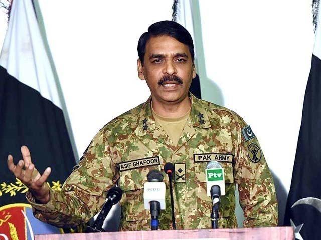 ICC World Cup: Amit Shah do not compare with strikes and match says Asif Ghafoor | ICC World Cup: अमित शाह ने सर्जिकल स्ट्राइक से कर दी पाकिस्तान की करारी हार की तुलना, बौखला गई पड़ोसी देश की सेना