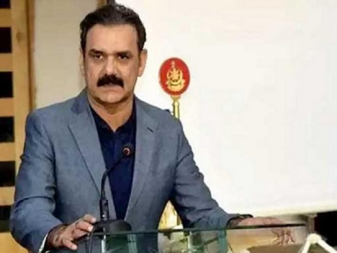 Pakistan pm imran khan top aide Asim Bajwa resigns over allegation of corruption   पाकिस्तान में पत्रकार की एक रिपोर्ट से हड़कंप, इमरान खान के सलाहकार पद से असीम बाजवा का इस्तीफा, भ्रष्टाचार के गंभीर आरोप