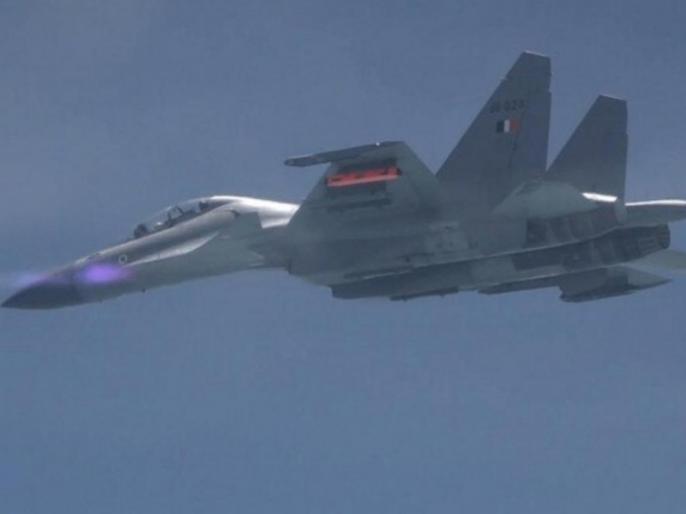 5 successful test of Astra missile conducted | पूरे हुये अस्त्र मिसाइल के पांच सफल परीक्षण, जानें हवा से हवा में कितनी दूर तक है मार करने की क्षमता
