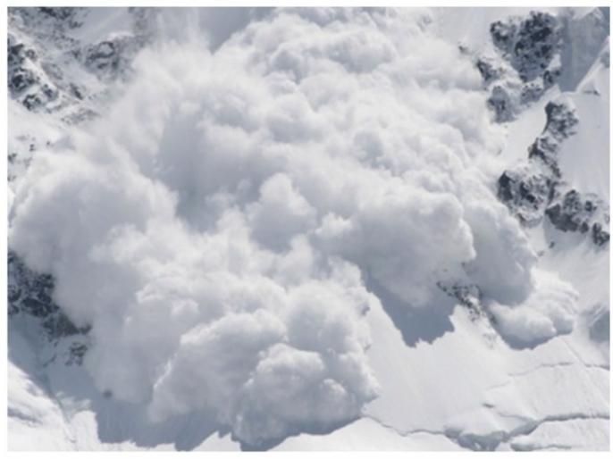 Jammu kashmir: multiple avalanches at LoC, border fencing broken, check posts buried under snow | LoC पर बर्फबारी ने मचाई भयंकर तबाही, कई स्थानों पर तारबंदी टूटी, चेक पोस्ट बर्फ में दबीं