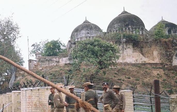 Ram Janmabhoomi-Babri Masjid Dispute sunni waqf board supreme court ram mandir | Ayodhya Dispute: सुन्नी वक्फ बोर्ड ने कहा, मुल्क के भले के लिए दिया अयोध्या पर मध्यस्थता पैनल को प्रस्ताव