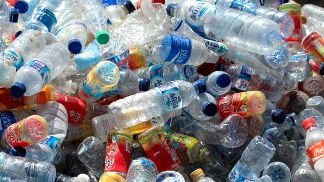Railway's unique initiative, destroy plastic bottles, get mobile recharge | रेलवे की अनोखी पहल, प्लास्टिक की बोतल नष्ट करो, मोबाइल रिचार्ज पाओ
