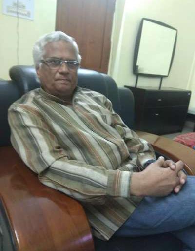 lok sabha election 2019 Gandhi Peace Foundation chairman Kumar Prashant mahatma gandhi narendra modi, sandhi pragya singh | कुमार प्रशांत ने कहा, चुनावी लाभ के लिए गांधी को कटघरे में खड़ा करने की कोशिश हुई, लेकिन पासा पलट गया