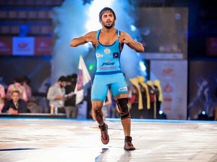 Wrestler Bajrang Punia once again becomes world number one   भारत के शीर्ष पहलवान बजरंग पूनिया रैंकिंग में फिर से शीर्ष पर पहुंचे