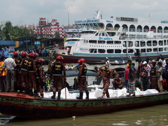 BangladeshDHAKApassenger boat carrying more than 50 people capsized killing at least 17 people | Bangladesh Passenger Boat:नौका डूबने से 17 लोगों की मौत, 48 सवार थे,30 को बचाया
