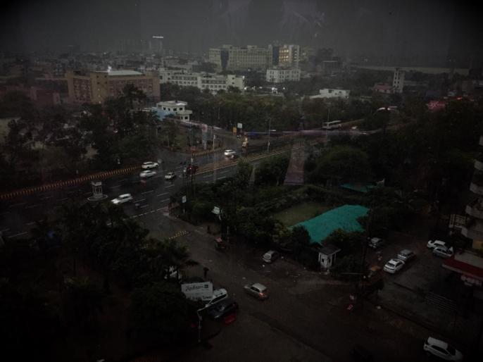 rainfall in the Delhi-NCR on Valentine's Day, weather update | वैलेंटाइंस डे पर दिल्ली-एनसीआर में बदला मौसम का मिजाज, सुबह पड़ी फुहारें और छा गया अंधेरा