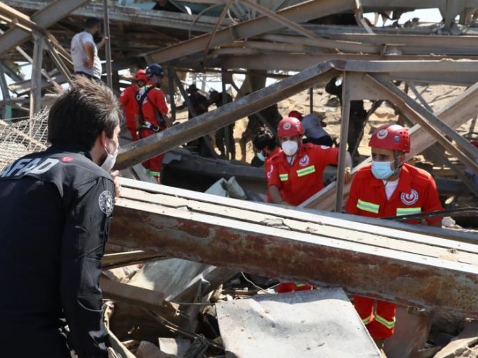 Beirut blast: 157 people lost their lives, rescuers getting dead bodies from the wreckage | Beirut blast: 157 लोगों की जान चली गई,बचावकर्ताओं को मलबे से मिल रहे शव, फ्रांस के राष्ट्रपति मैक्रों ने किया घटनास्थल का दौरा