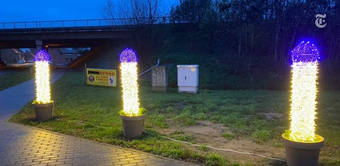 In Belgium, the mayor decorated the city with the lights of the Peenus figure, gave this answer when the dispute increased | बेल्जियम में मेयर ने शहर को पीनस आकृति की लाइटों से सजाया, विवाद बढ़ने पर दिया ये जवाब