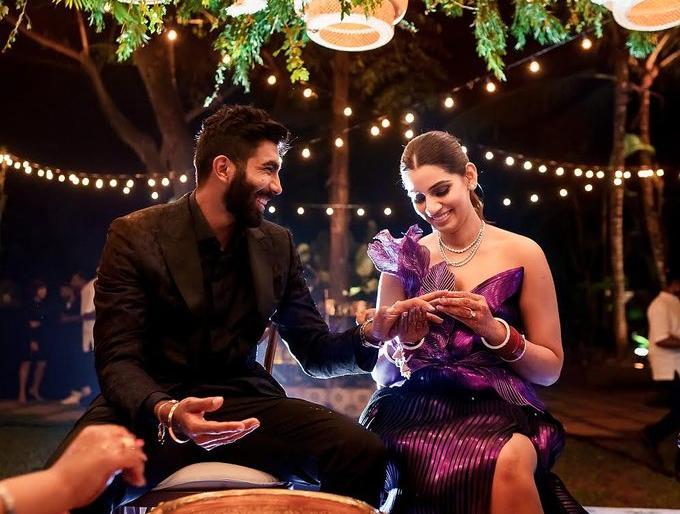 IPL 2021Jasprit Bumrah Wishes Wife Sanjana Ganesan On One-Month Wedding Anniversarymy best friend | IPL 2021:जसप्रीत बुमराह ने शेयर की तस्वीर,साथ हैं संजना गणेशन,लिखी दिल जीतने वाली बात