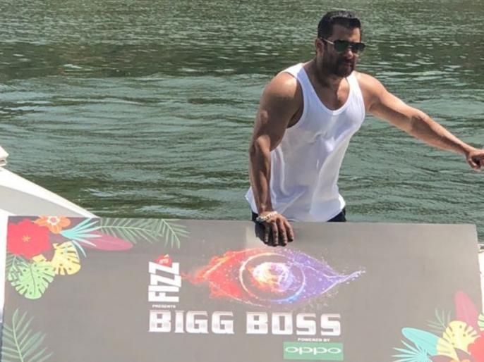 Salman's bigg boss 12: see house inside photos video and contestant list | बिग बॉस-12: आज से शुरू हो रहा टीवी का सबसे विवादित शो, घर की पहली झलक से लेकर कंटेस्टेंट की लिस्ट, देखें यहां
