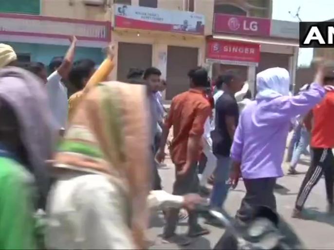 Aligarh murder: As tensions mount, admn cuts off internet in Tappal; heavy police deployment | अलीगढ़ हत्याकांड: टप्पल में शांति के लिए भारी पुलिस बल तैनात, जिले में इंटरनेट सेवा बंद