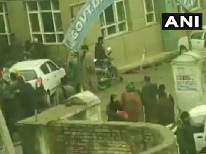 blast inside Pulwama Madrassa leaves many students injured | Breaking News: दक्षिण कश्मीर के पुलवामा में मदरसा के अंदर विस्फोट, कई छात्र घायल