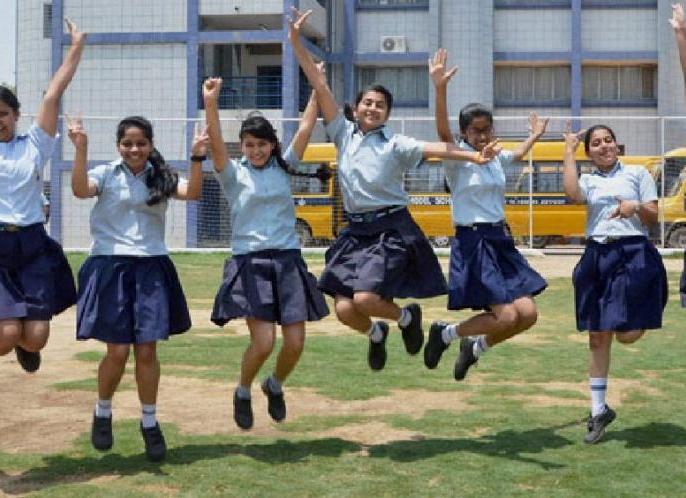UP Board: Students of 6th, 7th, 8th, 9th & 11th standard of schools affiliated to 'Uttar Pradesh Madhyamik Shiksha Parishad' promoted | Coronavirus Impact: यूपी बोर्ड में 10वीं और 12वीं को छोड़कर बाकी सब बिना परीक्षा दिए अगली क्लास में प्रमोट