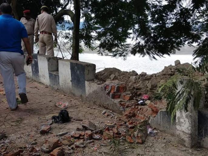 Assam Guwahati Bomb blast, four Injured | दुर्गा पूजा के पहले गुवाहाटी में बम ब्लास्ट, चार लोग गंभीर रूप से घायल, इलाके में हाई अलर्ट