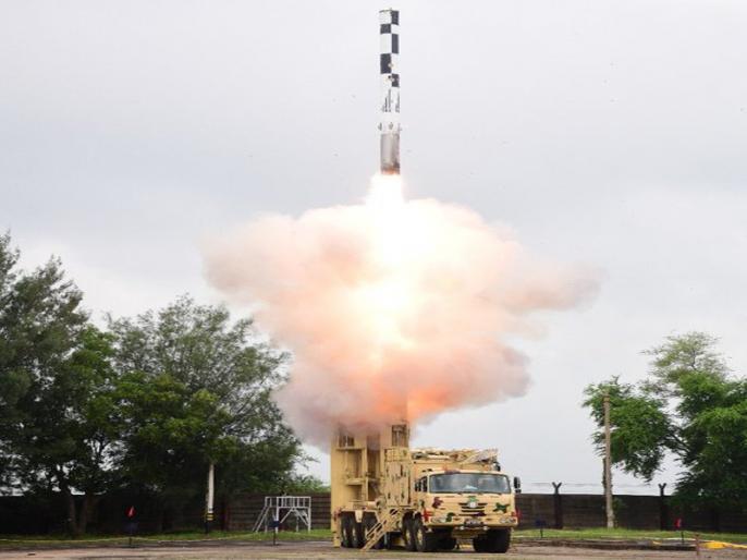 BrahMos missile test fired from Indian Navy's stealth destroyer | ब्रह्मोस मिसाइल का सफल परीक्षण, अब नौसेना लंबी दूरी तक आसानी से दुश्मन के उड़ा सकेगी परखच्चे