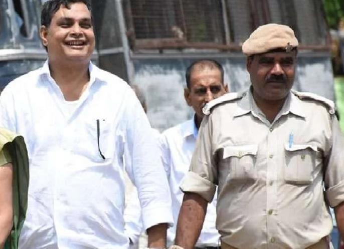 Muzaffarpur shelter case: Brajesh Thakur home in red light area and 25 crore property | मुजफ्फरपुर कांड: आरोपी ब्रजेश ने बनवा रखा था रेडलाइट में कैदखाना, 25 करोड़ की संपत्ति का खुलासा